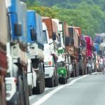 Para acabar com paralisações, Dilma deve sancionar a Lei dos Caminhoneiros hoje, dia 2