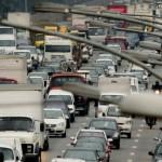 5ª sessão de 2015, vereadores reprovam contas do Executivo de 2012. Prefeitura quer regulamentar o tráfego de caminhões na cidade.